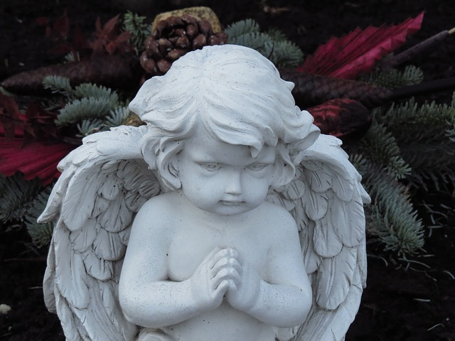 angel figure 80168 640
